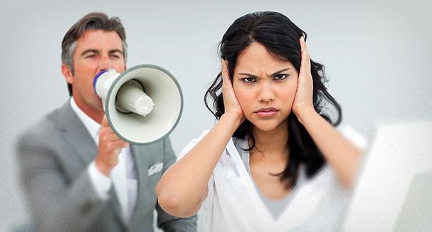 Муж кричит на жену - почему