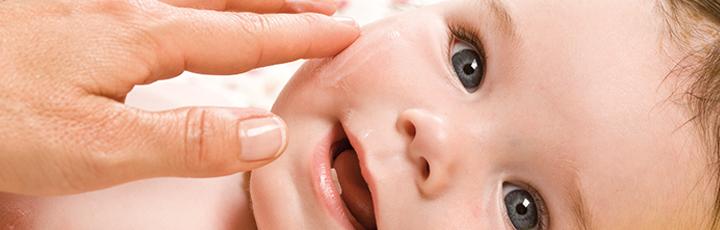 Как выглядит потница у новорожденных