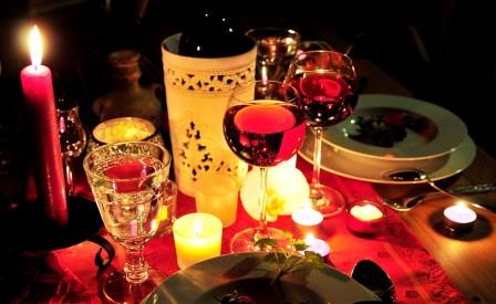 Романтический семейный ужин при свечах