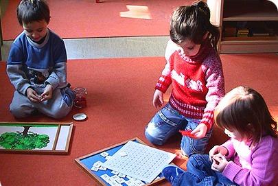 Как научить ребенка буквам дома