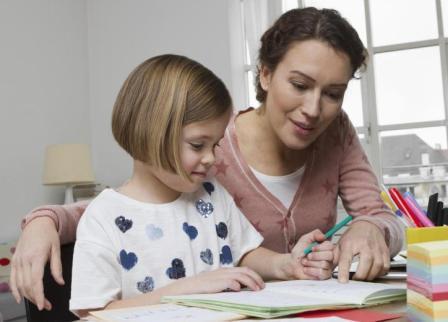 Как научить ребенка буквам в игровой форме дома