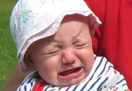 Как успокоить ребенка, когда он плачет - советы родителям