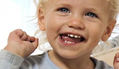 Какие зубы меняются у детей - схема и порядок очередности