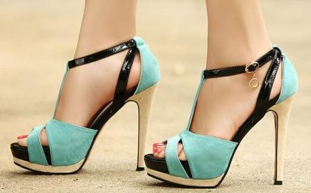 Пятки и стопы красивых ног