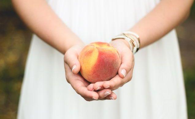 Персики при беременности: польза и вред, противопоказания
