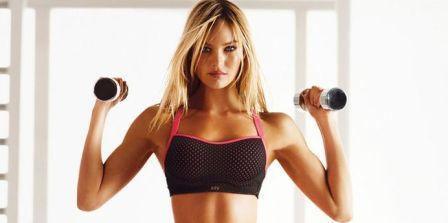 Упражнение для груди мышц с гантелями