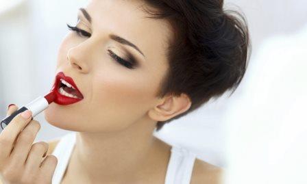Из чего делают помаду для губ