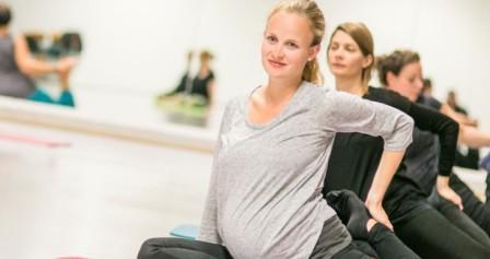 Занятия йогой для беременных возможны