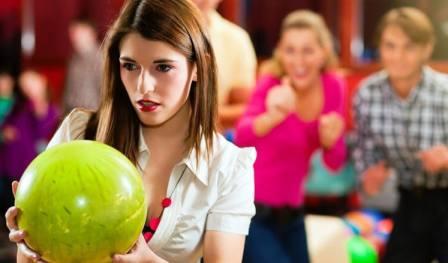Можно ли играть в боулинг при беременности или нельзя