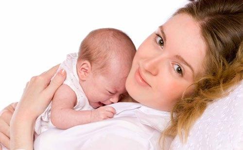 Кормление малыша грудью, как правильно кормить ребенка грудью