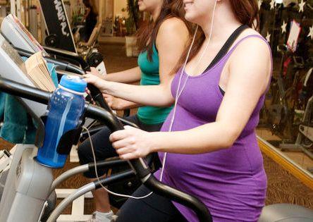 Ходьба на беговой дорожке при беременности