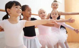 Плюсы занятия балетом для ребенка